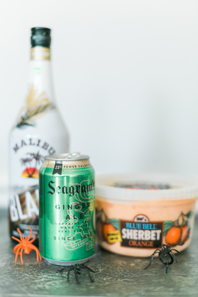 Hocus Pocus Potion - An easy (and yummy) Halloween party punch recipe! You only need 3 ingredients! www.thinkelysian.com
