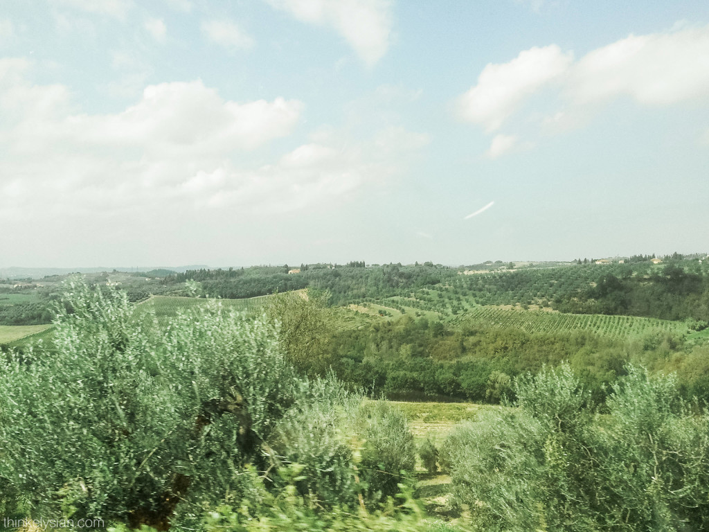 Take a drive in the Italian countryside // www.thinkelysian.com
