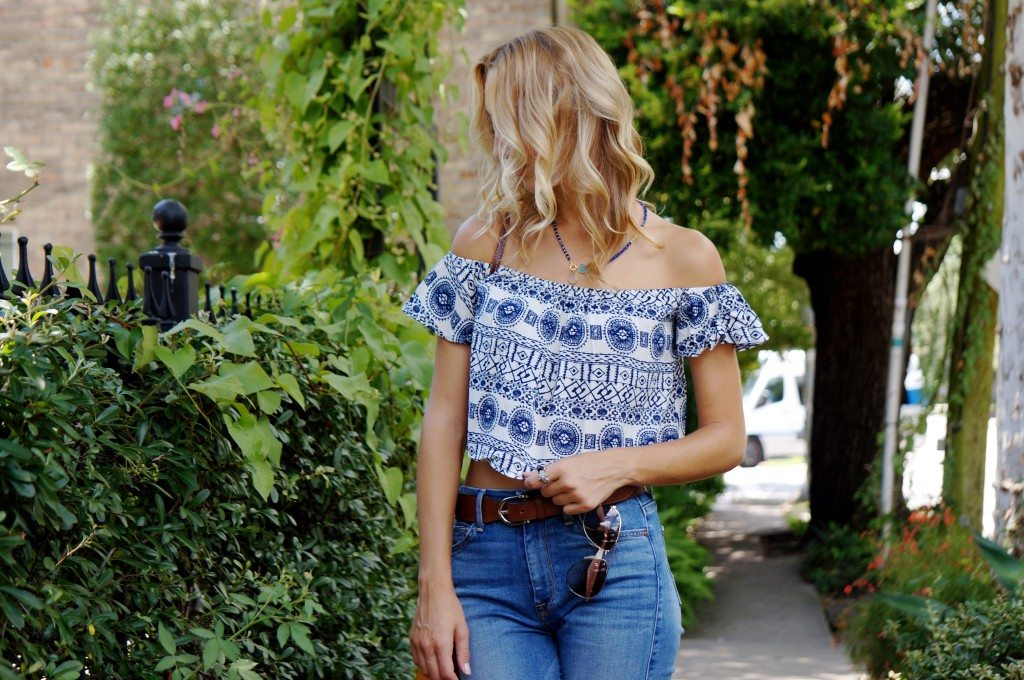 Chiara from Pied a Terre blog wearing Think Elysian Boutique off the shoulder summer crop top - shop.thinkelysian.com