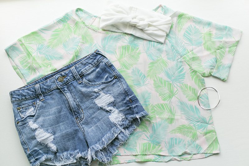 Palm Leaves Palm Springs Crop Top giveaway from Think Elysian Boutique - www.thinkelysian.com