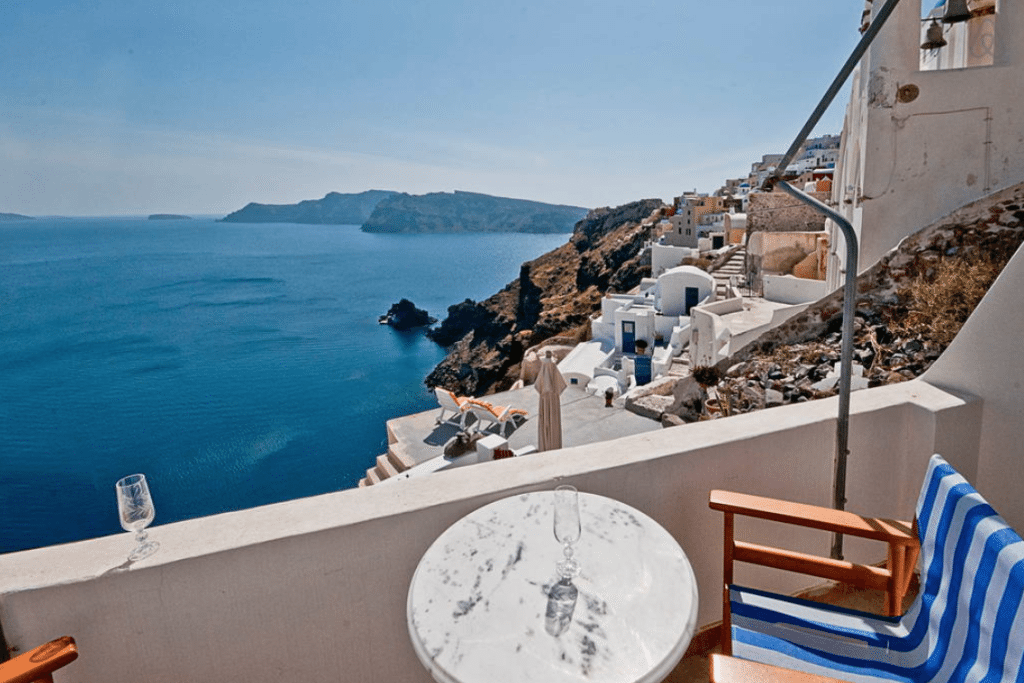 Affordable rentals in Santorini, Greece - Budget Travel Guide from Think Elysian style + travel blog // www.thinkelysian.com