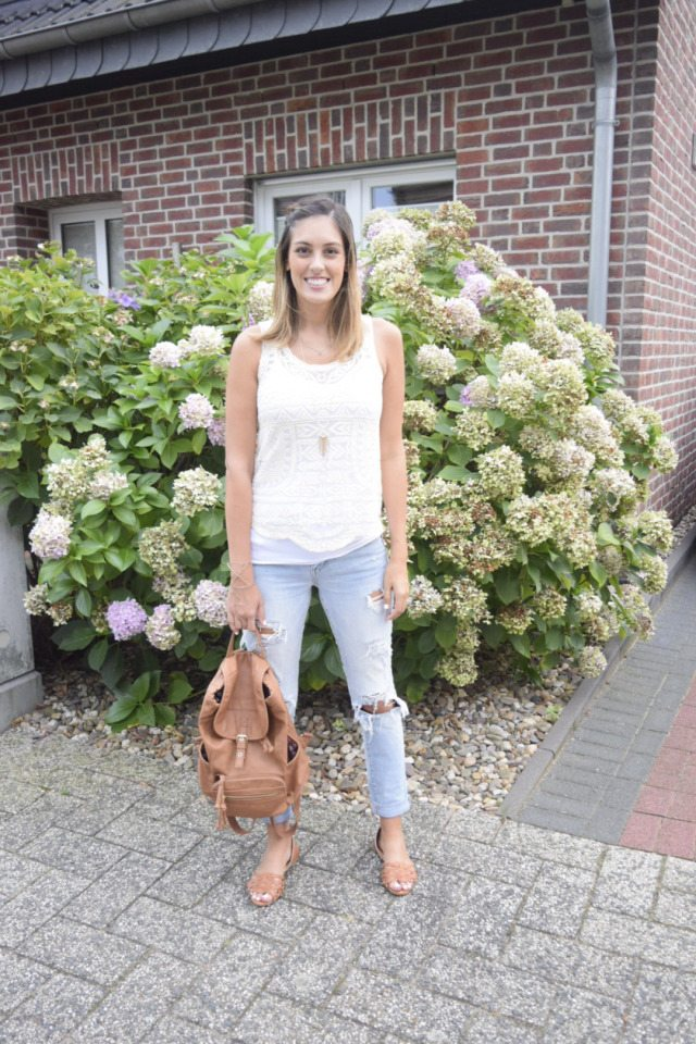 Babecation // Margret from Style the Girl shares her stylish travels wearing Think Elysian Boutique Clothing in Germany // www.thinkelysian.com