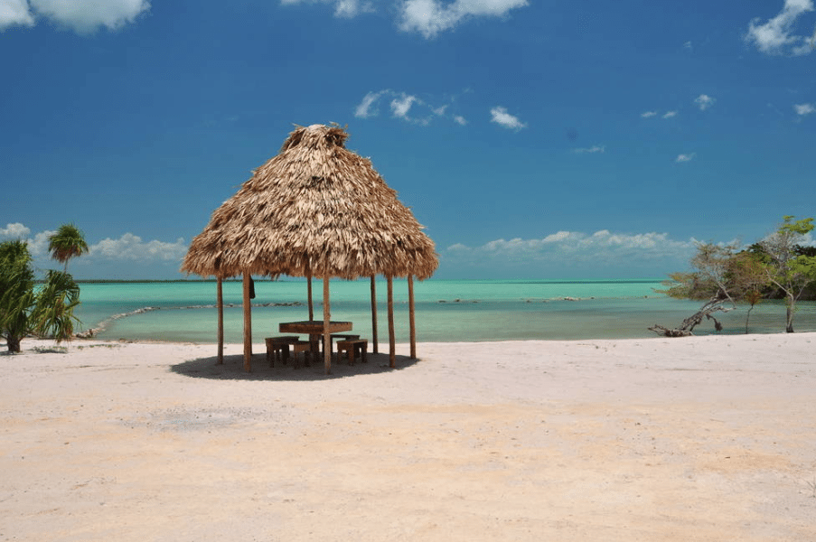 Affordable Rentals in Belize for a tropical vacation // www.thinkelysian.com